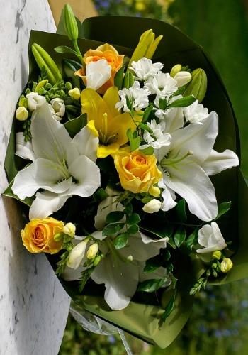 Bouquet floral lié